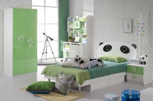 One Bedroom, Many Greens